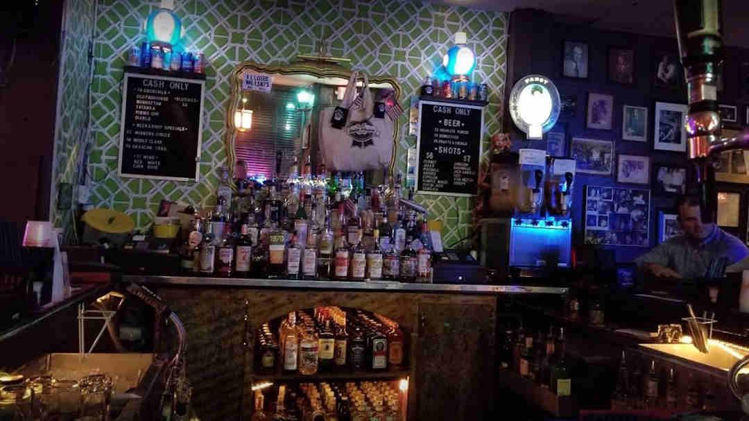 Best Dive Bars in Savannah - Bike Tours Savannah - The Savannah Insider