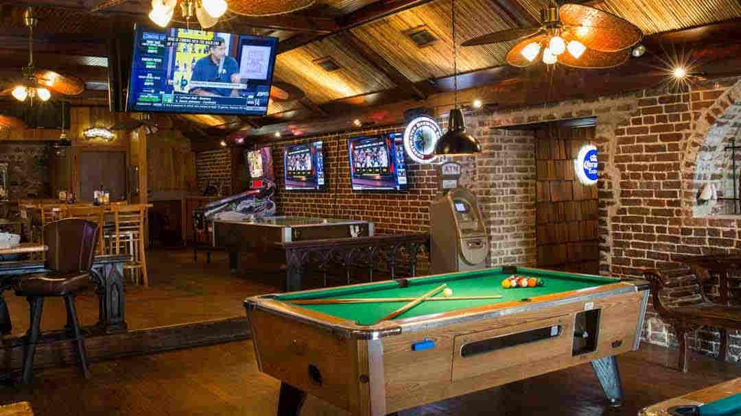 Must Visit Pubs in Savannah Georgia - The Savannah Insider