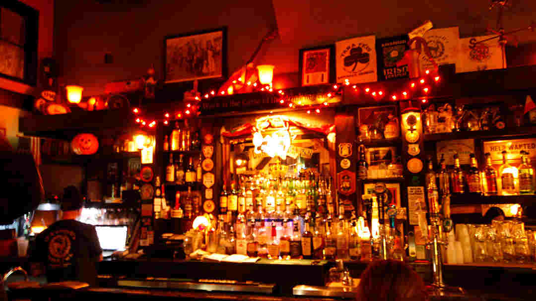 Pubs and Bars in Savannah for Late Nights - The Savannah Insider