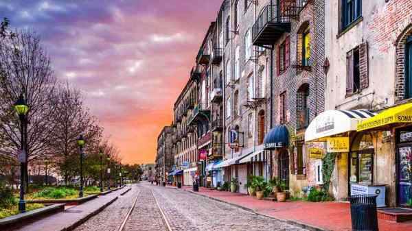 Where to shop in Savannah - City Market Bachelorette Party
